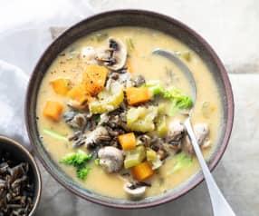 Soupe crémeuse de légumes et riz sauvage