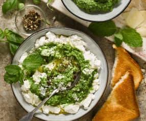 Pesto z zielonego groszku i mięty z ricottą