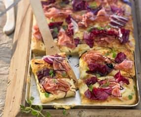Pizza mit Radicchio und Schinken