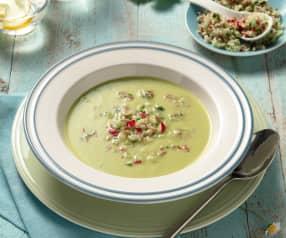 Kohlrabi-Erbsen-Cremesuppe mit Radieschen
