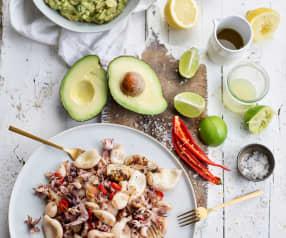 Salada de lulas grelhadas com guacamole