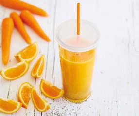 Sumo de laranja, cenoura e chia