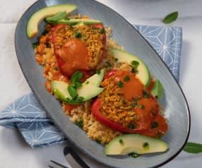 Mit Kichererbsen gefüllte Paprika und Bulgur (vegan)