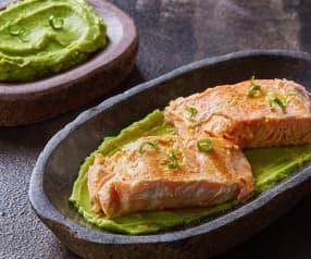 Sous vide salmon with avocado cream (TM5)
