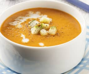 Sopa de pimiento rojo y calabacín