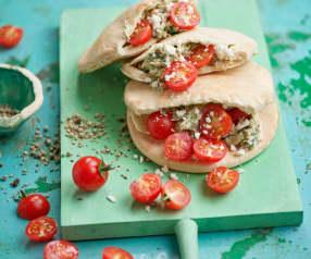 Pão pita com recheio mediterrânico