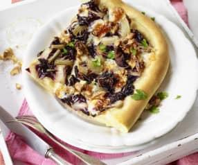 Pizza mit Radicchio und Taleggio