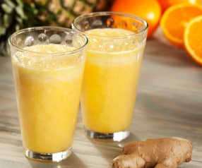 Smoothie de piña y naranja al aroma de jengibre