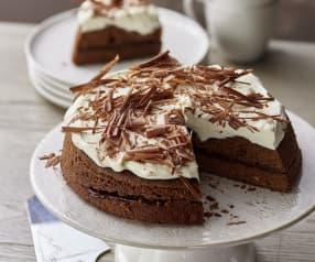 Tarta de chocolate al vapor con nata montada