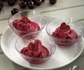 Helado de cerezas y yogur