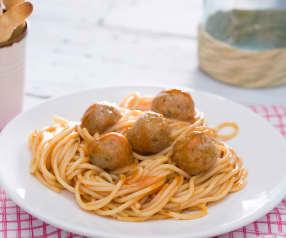 Espaguetis con albóndigas (La dama y el vagabundo)