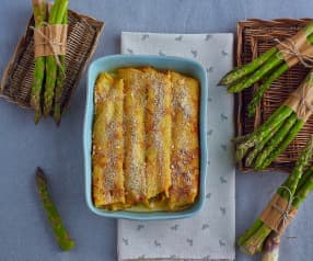 Crêpes agli asparagi e salmone