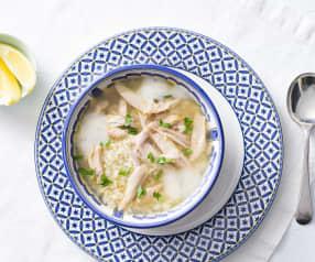 Sopa de pollo, huevo y limón (Avgolemono)