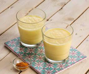 Lassi de mango y cúrcuma - India