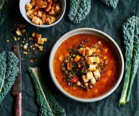 Sopa de lentilhas, grão-de-bico e kale