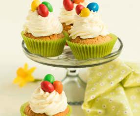 Velikonoční mrkvovo-mandlové cupcaky