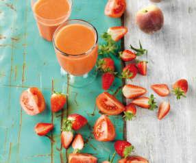 Sumo de tomate, cenoura, morango e pêssego