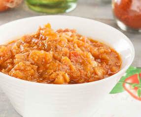 Guarnición de tomate y beicon al pimentón