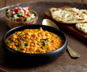 Curry rogan josh z ciecierzycą i pomidorami