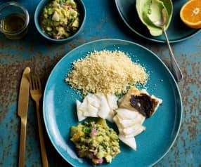 Bacalhau grelhado com cuscuz e salada de abacate