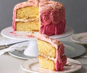 Tarta de piña y coco con frosting de rosas