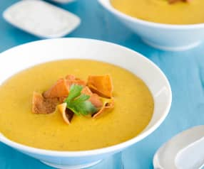 Creamy carrot and lentil soup