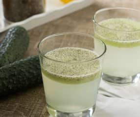 Agua de pepino con limón y chía
