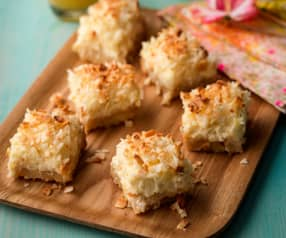 Pineapple and Coconut Cheesecake Bars