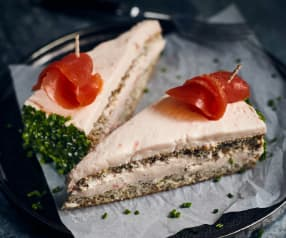Lachs-Schwarzbrot-Torte