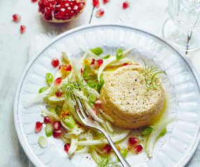 Cheddarsoufflé mit Fenchel-Granatapfel-Salat