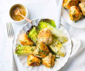 Boulettes de crabe et sucrine en salade