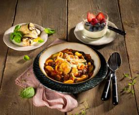 Menü: Melanzaniröllchen, Orecchiette mit Olivensugo und Panna Cotta