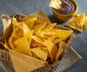Chips di mais con crema di fagioli