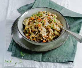 Lauwarmer Gerstensalat mit Gemüse und Poulet