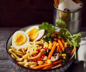 Veggie-Ramen mit Ei