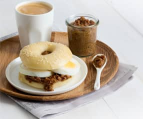 Bagels with Egg and Bacon Jam