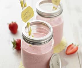 Erdbeer-Holunderblüten-Joghurt-Smoothie