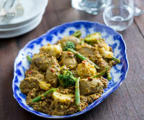 Currywürstchen mit Linsen
