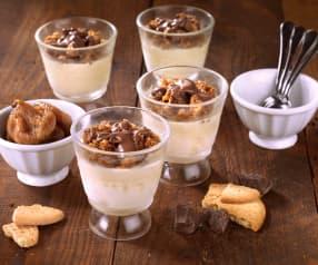 Bicchierini di gelato al biscotto con fichi e cioccolato