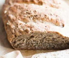 Pão de manteiga e nozes sem glúten