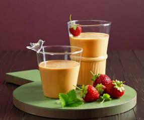 Mandel-Erdbeer-Drink