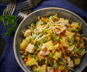 Groenten-aardappelsalade met kip