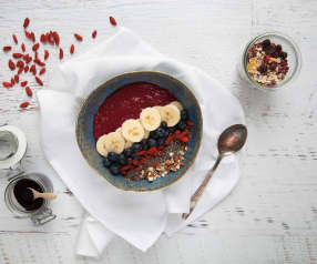 Smoothie bowl z jagodami acai
