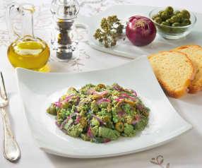 Uova strapazzate con cipolle e olive