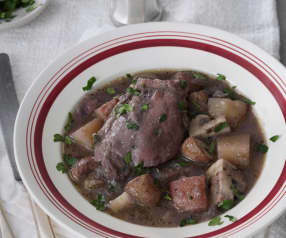 Chicken and mushrooms in red wine
