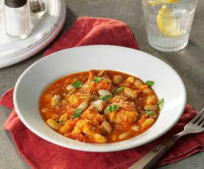 Gulasz drobiowy z pomidorami i fasolą