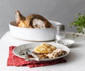 Poulet cuit à la tapenade et purée de pommes de terre aux oignons caramélisés