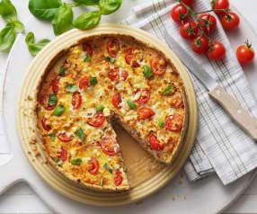 Quiche de frango, tomate e manjericão