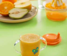 Koktajl owocowy z sokiem pomarańczowym