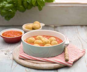 Pulpeciki z dorsza gotowane na parze z sosem pomidorowym